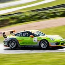 Snabb start på säsongen för Edvin Hellsten i  Porsche Carrera Cup Scandinavia